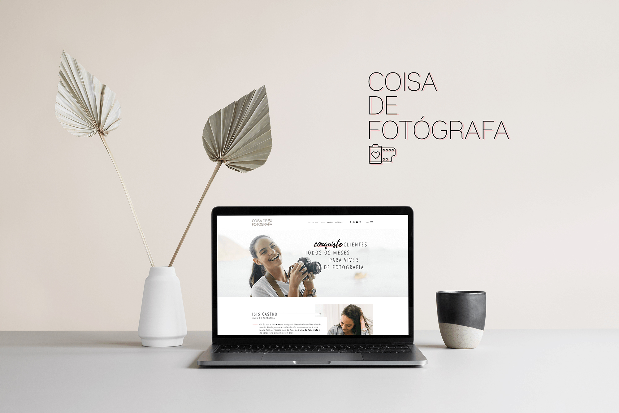 Identidade Visual & Website Layout exclusivos para Coisa de Fotógrafa da Isis Castro- Design by Adrielly Sato